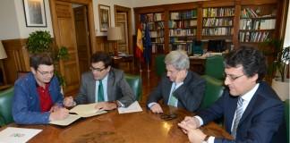 Firma del acuerdo por UPA