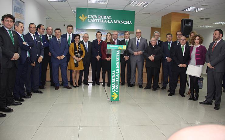 Caja rural castilla la mancha inaugura su primera oficina for Caja rural granada oficinas