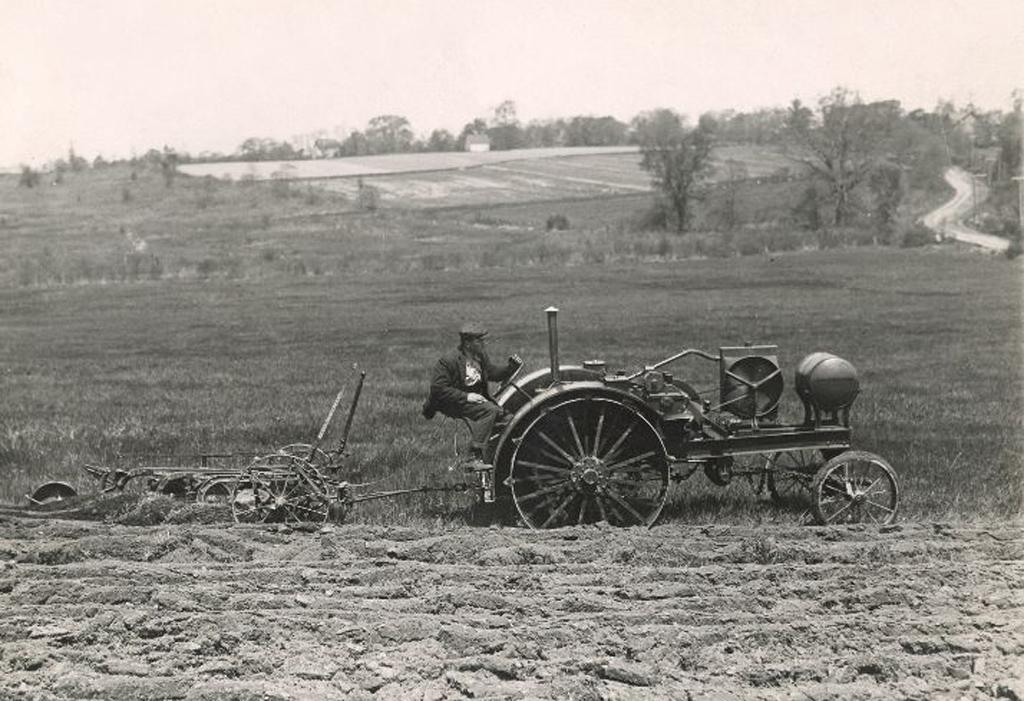 Los tractores de John Deere cumplen 100 años - AgroCLM 1c5f8a21013